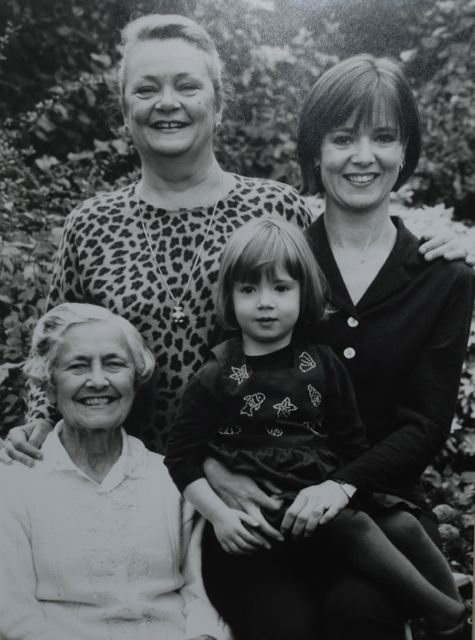 nanna and the girls