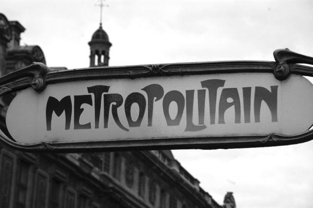 metropolitan b&w