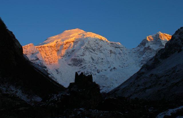 bhutan snow capped