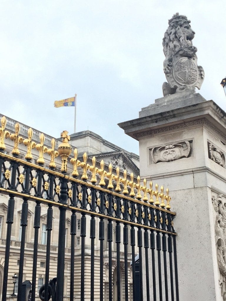 Buckingham Palace outside