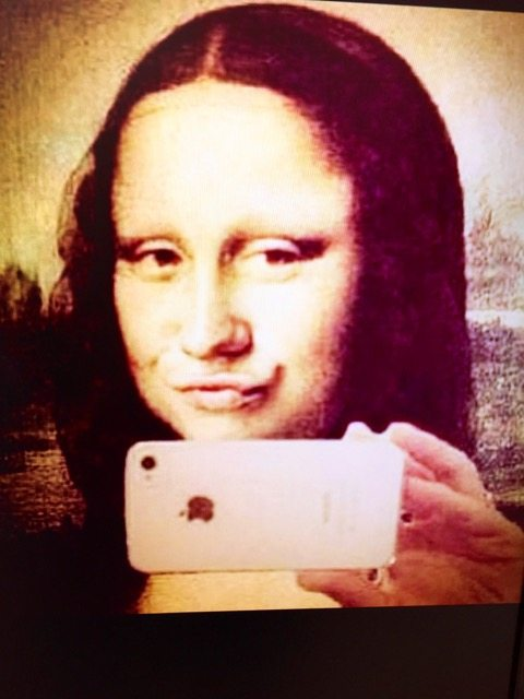 Mona Lisa selfie at The Saatch Gallery