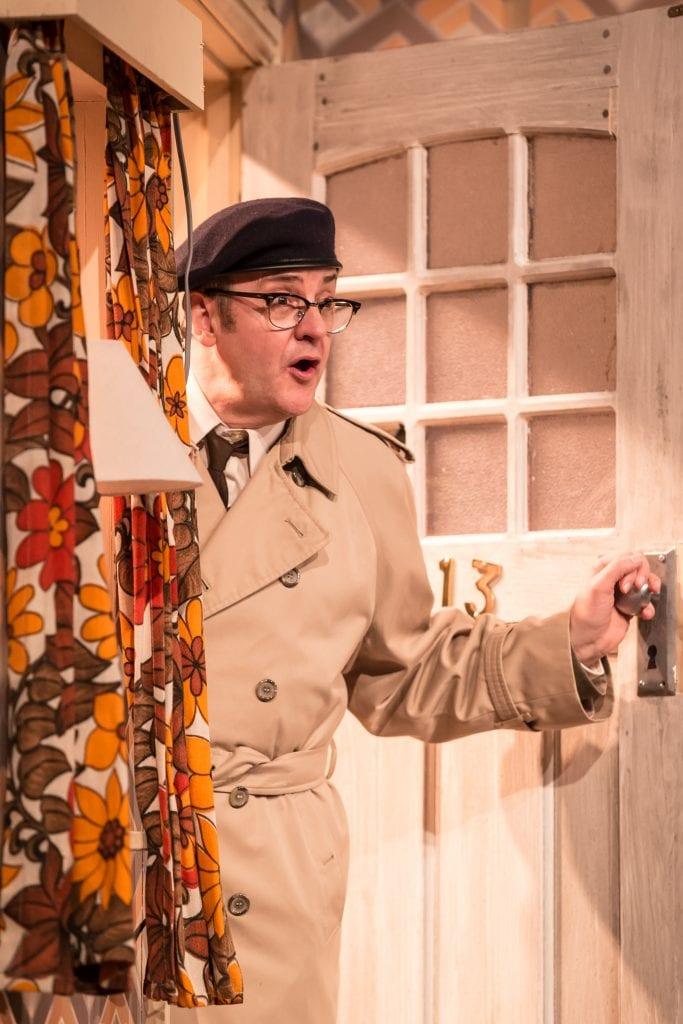 Joe Pasquale as Frank Spencer in Some Mothers Do 'Av 'Em, credit Scott Rylander