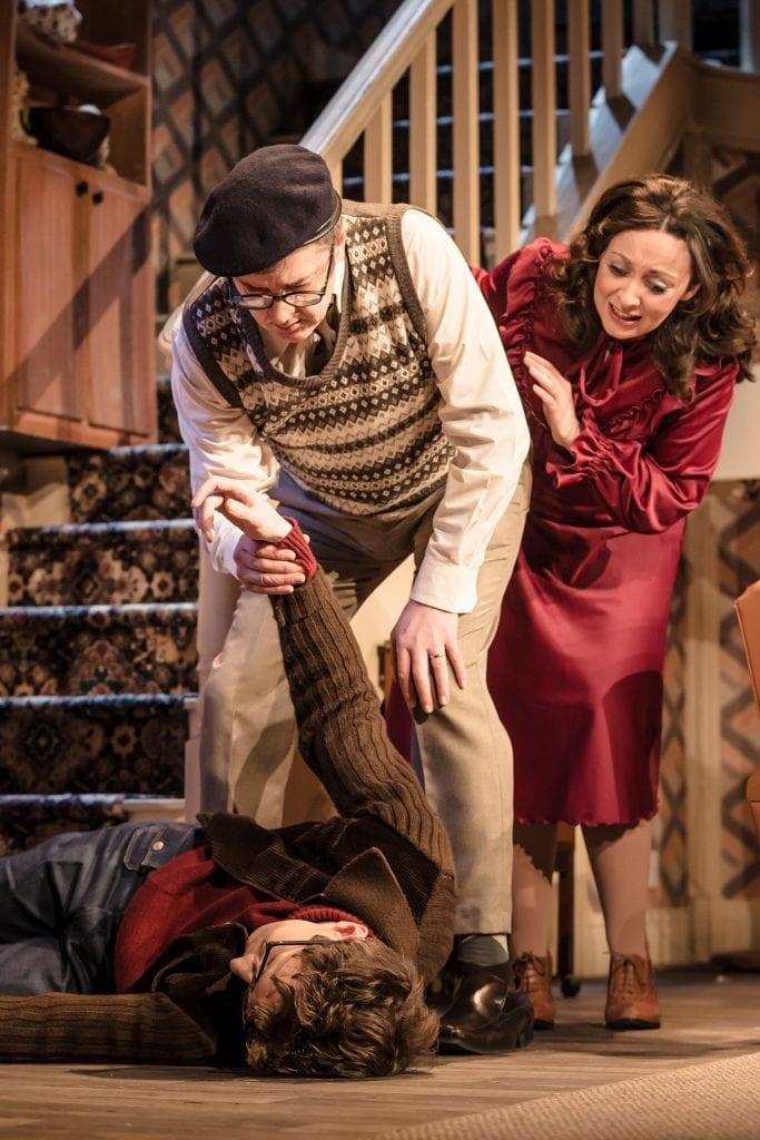 Sarah Earnshaw as Betty & Joe Pasquale as Frank Spencer in Some Mothers Do 'Av 'Em, credit Scott Rylander (3)